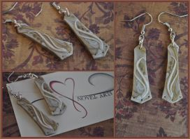 White and Gold Marbled Earrings by TheNovelArts