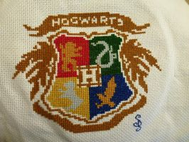 Simplified Hogwarts Crest by HiddenWithin