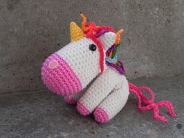 Amigurumi - Unicorn no.2 by Marlou-Chan