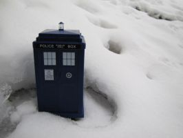 Tardis In The Snow by michaela1232001