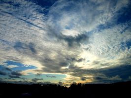 Crazy sky by Achyewings