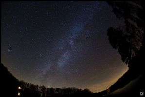 Milky Way over Bear Creek Lake by omegach