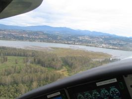 Flying into Troutdale by CirrusDriver