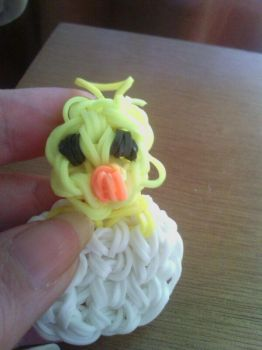 a rubber band chicken by Contxu