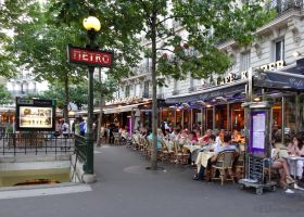 Cafes and the Metro by EUtouring