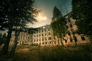Sanatorium by jadden