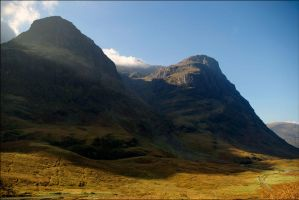 Two Sisters In Glen Coe by tamaskatai
