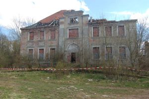 ruin of manison Grellenberg 02 by lumpi691stock
