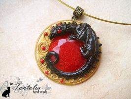 Pendant Keeper of Sun Rock by Tantalia