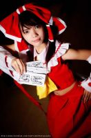 Touhou Project Cosplay: Reimu Hakurei by kyashii4