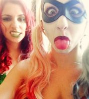 Poison Ivy and Harley Quinn by sosupereffective