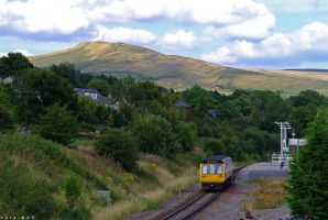 Chinley Station by horai