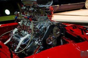 That motor has a car by Naqphotos