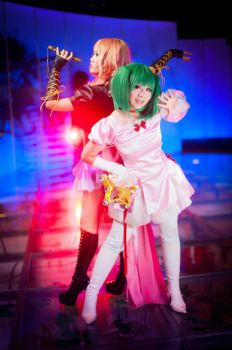 Macross Frontier - Sing Around the World by Intricatia