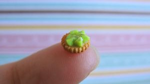 Miniature kiwi tart by AGTCT