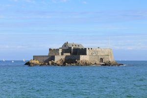 Military Fortress on the sea! by xZaiko