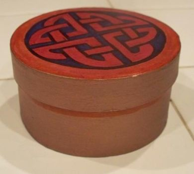 Short Red Celtic Box 3 by DeRozMa-Orignals