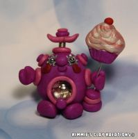Polymer Clay Robot I Love Cupcakes Figurine by KIMMIESCLAYKREATIONS