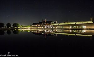 Hof van Saksen by night by framafoto