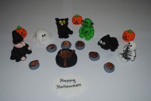 halloween cake topper by starry-design-studio