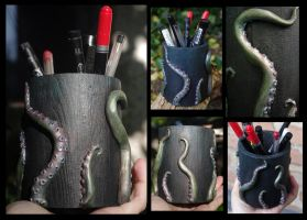 Wooden and paper clay pencil holder - Kraken. by Lauramei