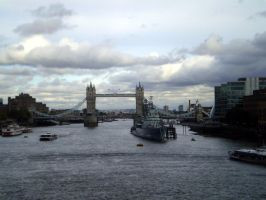 The London Bridge by Makkeroe