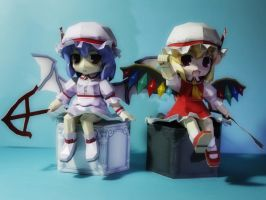 The Scarlet Twins, Flandre and Remillia by aeron21