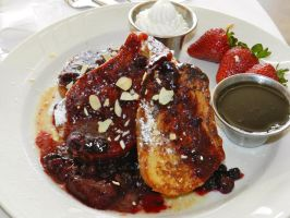 Berry French Toast by little-wallflower18
