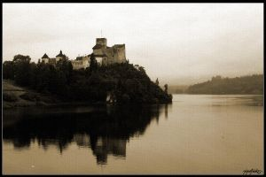 Two Castles by Tindomiel-Heriroquen