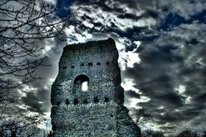 Stormy Bramber Castle by lorni3