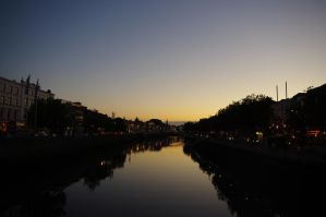 Dublin -  The Liffey at night by CleaLlyfr