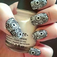 black and white retro nails  by soimmature