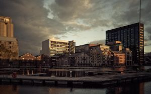 Sunset in Docklands IV by ukapala