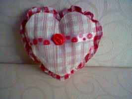 Red gingham heart by HelenFlower