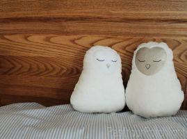 Sweet and Minimal Owl Pillows by PastYourPorchlight