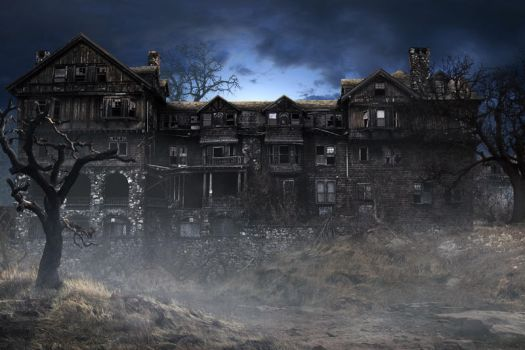 Haunted House at Night by fervalosious