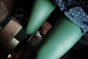 green thighs by lilysofie