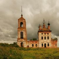 abandoned church in the country by Nickdan