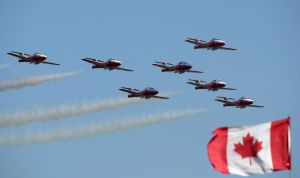Snowbirds Flyby 3 by shelbs2