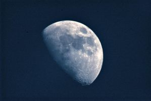 Waxing Gibbous Moon by doulifee