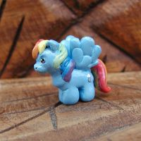 Mini Rainbow Dash Sculpture by LeiliaK