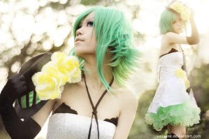 Gumi, shine on me by vaxzone
