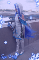 .:Snow Miku Cosplay:. by GuardianofLightAura