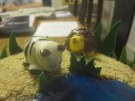 Savannah Animals cake (close up) by recycledrapunzel