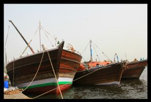 Safinaal 3 Dhows by FlamingAvocado