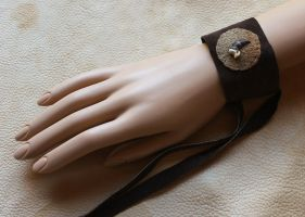 Coyote claw and leather bracelet by lupagreenwolf