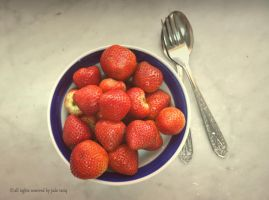 have a bowl of strawberry II by judetariq