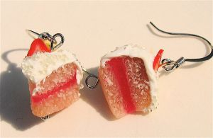 strawberry and naners cake by MotherMayIjewelry