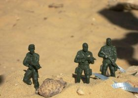 Plastic soldiers by Lupeta