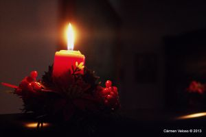 Candle light by CarmenVeloso